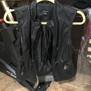 Black leather vest, great condition